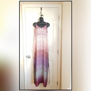 NWT - Charlie Jade Long Summer Maxi Dress - Medium